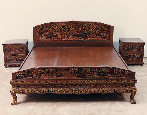 Hand Carved Bed: Hand Carved Vietnamese Furniture